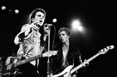 Joe-strummer-and-paul-simonon-of-the-clash