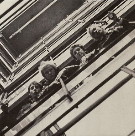 The_sex_pistols_emi_house_stairwell_the_beatles