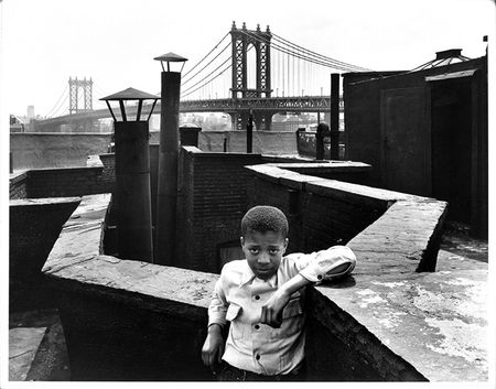 Walter-Rosenblum-Boy-On-Roof-Monroe-Street-New-York-1950